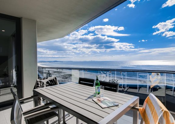 1 & 2 Bedroom Premier Ocean View Apartments
